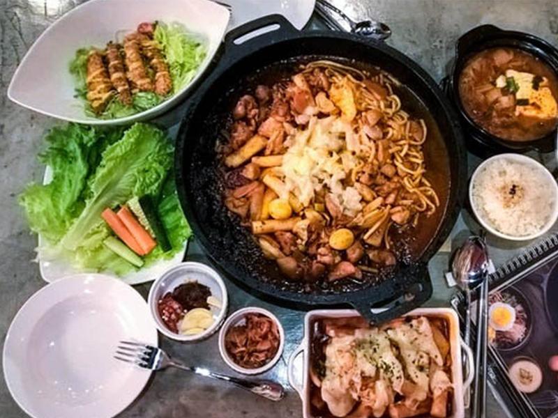 Han Cook với thực đơn vô cùng đa dạng, phù hợp với nhiều khẩu vị người dùng.