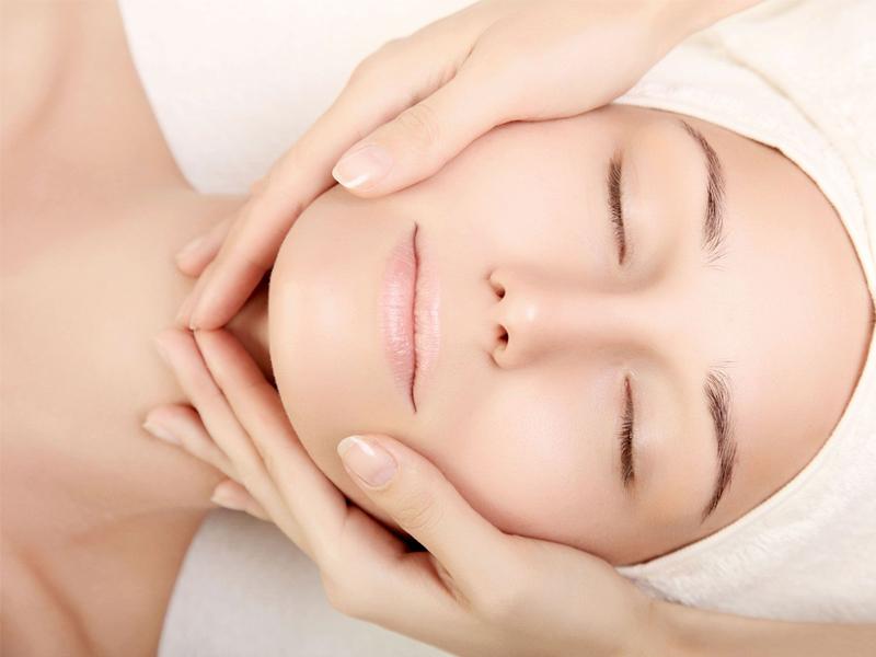 Cách massage mặt giúp săn chắc hàm dưới khuôn mặt