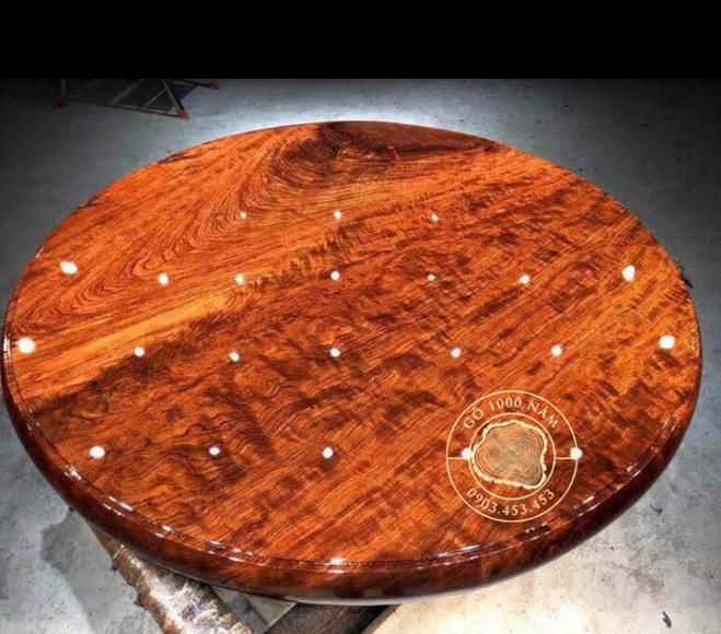Mẫu bàn ăn tròn làm bằng gỗ cẩm lai nam phi
