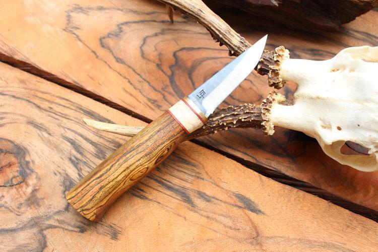 Cán dao làm bằng gỗ Bocote
