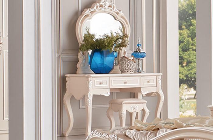 Mẫu bàn trang điểm đẹp với chất liệu gỗ tự nhiên cao cấp