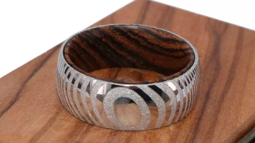 Trang sức làm từ gỗ Bocote