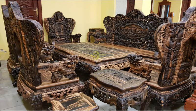 Bộ bàn ghế gỗ mun sọc vàng