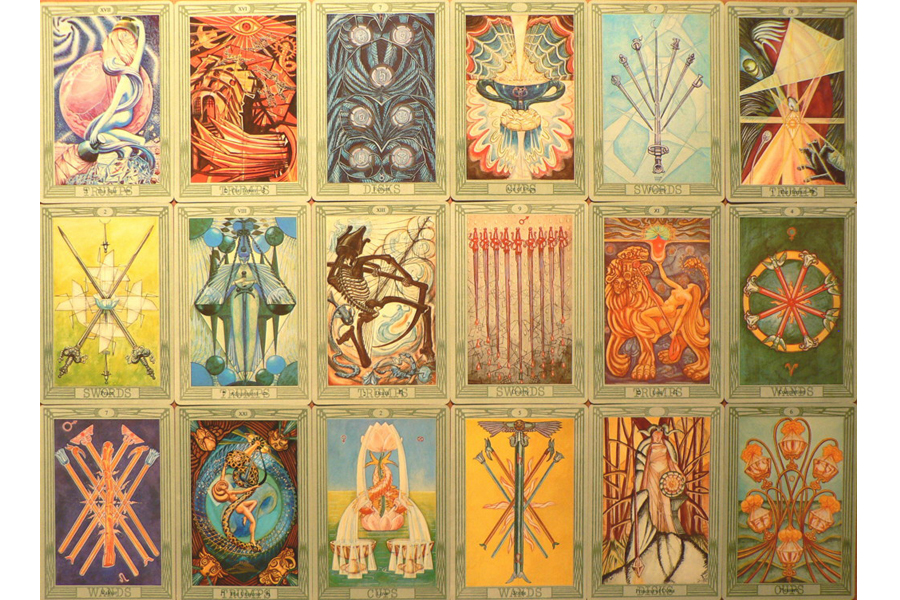 Có nhiều luận điểm và chứng cứ lịch sử cho thấy xuất xứ của bài Tarot chính xác là từ miền Bắc nước Ý, vào khoảng giữa thế kỷ 15.