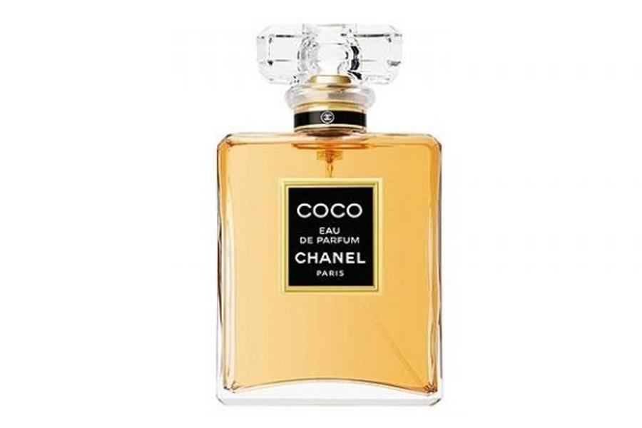 Nước hoa Chanel được chiết xuất từ gỗ Đàn Hương.