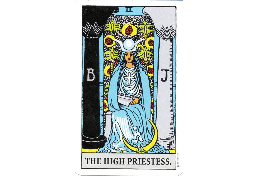 lá bài The High Priestess trong Tarot theo chuẩn Rider Waite Smith