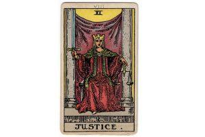 Ý nghĩa lá bài Justice trong Tarot theo chuẩn Rider Waite Smith 1