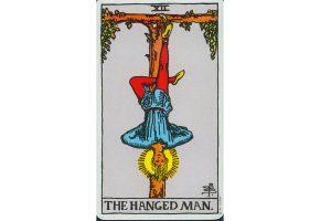 Ý nghĩa lá bài The Hanged Man trong Tarot theo chuẩn Rider Waite Smith 10
