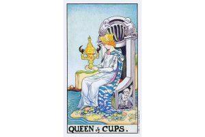 Ý nghĩa lá bài Queen Of Cups trong Tarot theo chuẩn Rider Waite Smith 2
