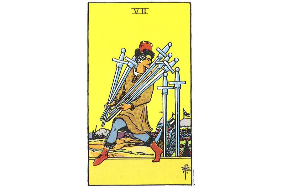Lá bài Seven Of Swords trong Tarot theo chuẩn Rider Waite Smith