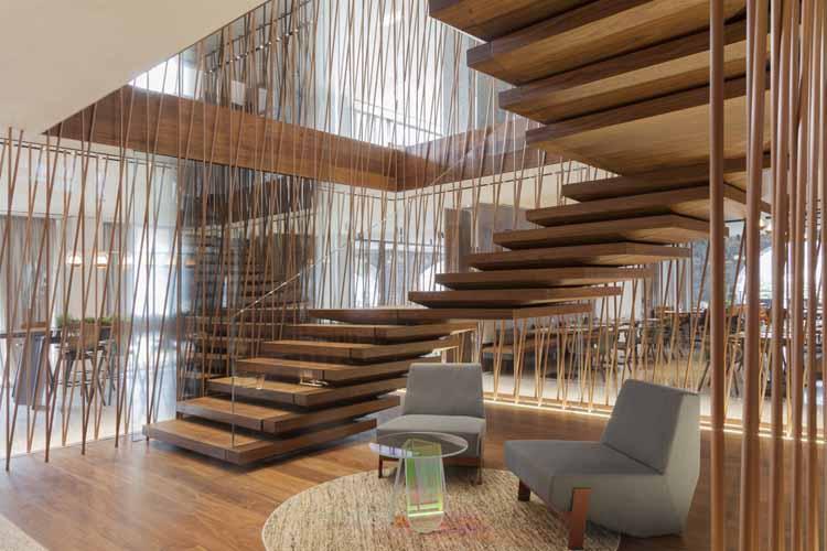 Top 30 mẫu cầu thang gỗ đẹp 2020