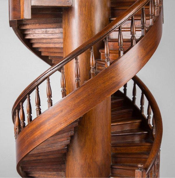Mẫu cầu thang gỗ cao cấp nhất làm 100% gỗ quí