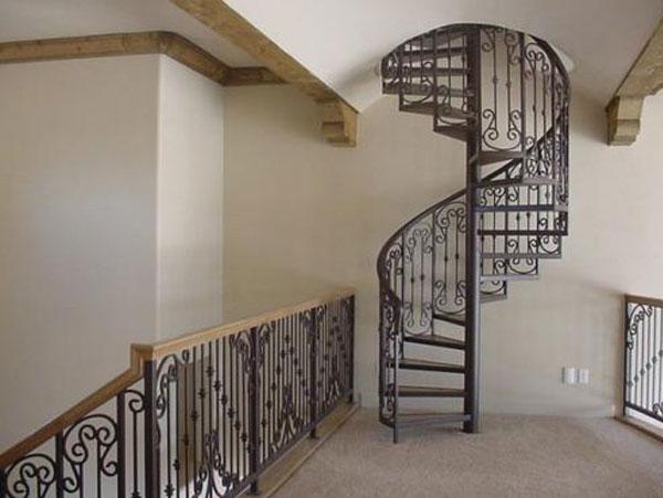 Mẫu cầu thang bằng kim loại cao cấp