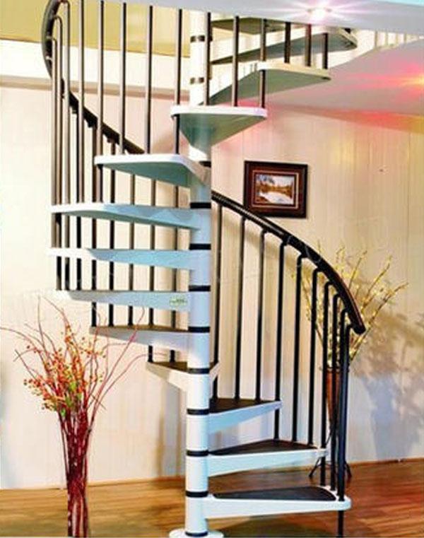 Cầu thang gỗ trụ bằng kim loại