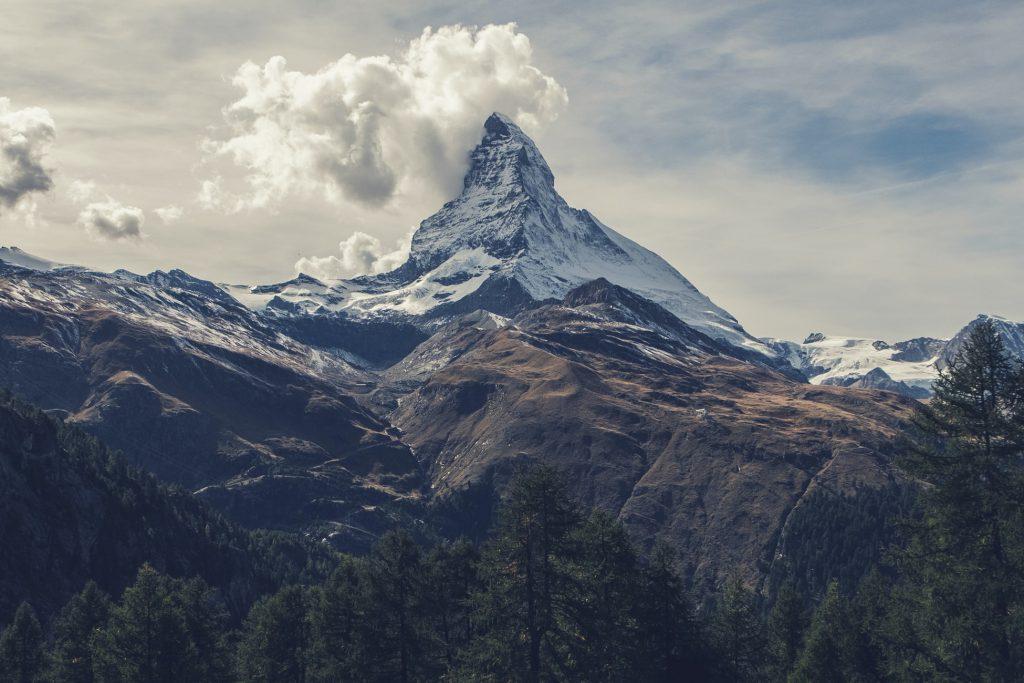 Hình nền về đồi núi đẹp kích thước lớn 1950x1300