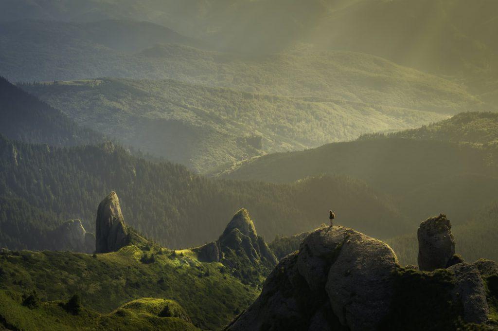 Hình nền thiên nhiên đẹp về xanh trong đồi núi nhìn cực chất (Kích thước hình lớn 1950 x 1300)