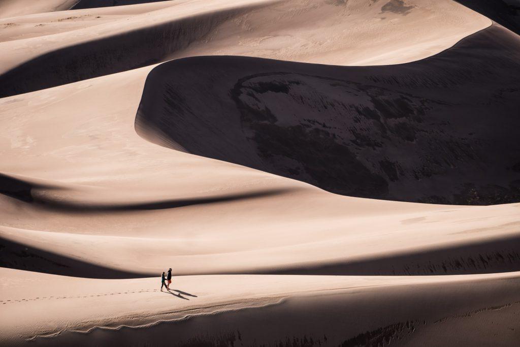 Hình nền về núi đồi sa mạc nhìn cực đẹp (kích thước lớn 1950x1300)