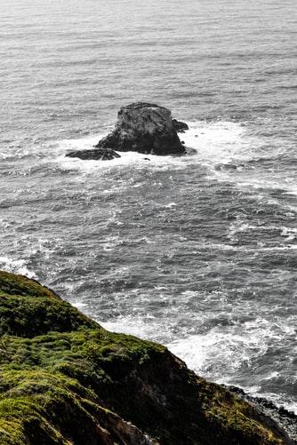 Hình nền sóng biển đẹp dành cho IPhone 11