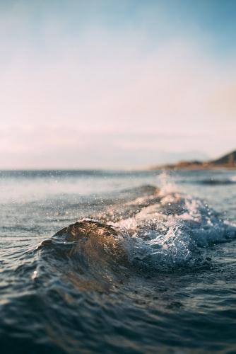 Hình nền iPhone 8, iPhone 8s, iPhone 8 Plus về ngọn sóng đẹp và chất