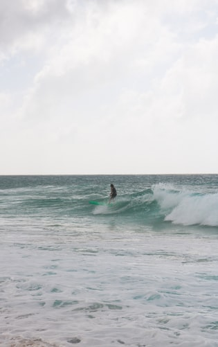 Hình nền lướt sóng dành cho iPhone