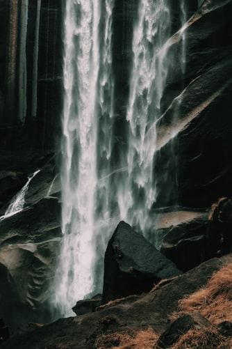 Hình nền iPhone thác nước