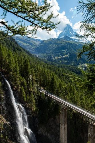Hình nền iPhone XS về đồi núi đẹp mê hồn