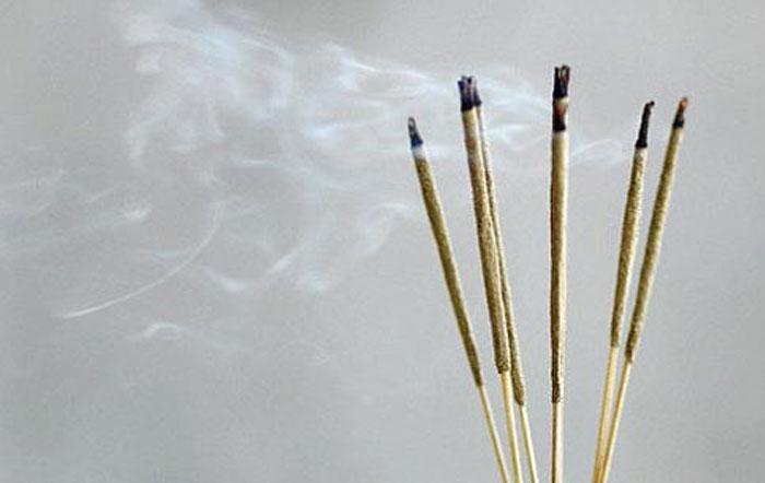 Nhang thông thường có nhiều hương thơm thường chứa nhiều hóa chất độc hại