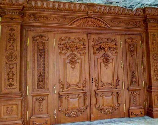 Mẫu cửa gỗ tân cổ điển 4 cánh đẹp